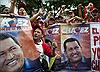 Biển người mít tinh ủng hộ ông Chavez