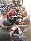 Chợ tem hè phố Triệu Việt Vương