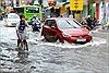 TPHCM: Nhiều tuyến đường chìm trong nước sau mưa