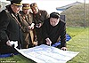 Ông Kim Jong Un theo dõi quân đội tập trận