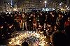 Biển người cầu nguyện cho nạn nhân vụ xả súng Paris