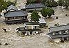 Mưa lũ cuốn phăng nhà ở Nhật Bản, 17 vạn dân sơ tán
