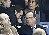 Giây phút ông Hollande nhận tin báo khủng bố tấn công