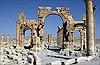 Máy bay Nga vẫn không kích ồ ạt ở Palmyra