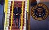 Tổng thống Obama đã đặt chân xuống sân bay Nội Bài