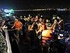 Tàu chở khách du lịch chìm trên sông Hàn, tìm kiếm khó khăn