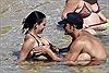 """Orlando Bloom lại có """"hành động gây sốc"""" với Katy Perry trên biển"""