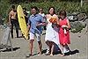 """Thủ tướng Canada ngực trần """"dội bom"""" đám cưới bãi biển"""