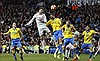 Cristiano Ronaldo cứu Real, Barcelona lên đỉnh La Liga