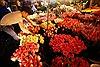 Cận kề ngày 8/3, dạo chợ Quảng An ngắm hoa muôn sắc