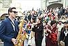 Ca sĩ Minh 'xù' quậy cùng bạn gái trong Carnival Bà Nà Hills