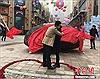 Mang thiên thạch 33 tấn đi cầu hôn bạn gái
