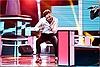 The Voice 2017: Ali Hoàng Dương lột xác, thắng trong thế 'chân kiềng'