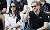 Hoàng tử Anh Harry tuyên bố kết hôn nữ diễn viên Mỹ từng một đời chồng