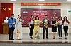 45 Hoa khôi sinh viên giao lưu với tác giả 'Chuyện nhà Dr Thanh'