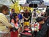 Người dân nhộn nhịp xuống phố ông Đồ xin chữ, chụp hình Tết