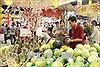Hoa tươi, thực phẩm chay tăng nhẹ trước ngày rằm tháng Giêng
