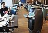 Bên trong khách sạn 'phi thuyền' đầy robot phục vụ của Alibaba