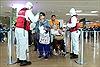Paraguay đóng cửa biên giới, Mexico ngừng cấp hộ chiếu