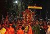 Những hình ảnh chưa đẹp tại Lễ hội đền Trần (Nam Định)
