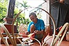 Lão nông gần nửa thế kỷ gắn bó với nghề làm đèn cù