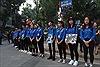 Sinh viên tình nguyện xếp hàng chờ tiễn đưa nguyên Tổng Bí thư Đỗ Mười