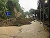 Mưa lũ làm nhiều tuyến đường Thanh Hóa sạt lở, 2 người bị chết và mất tích