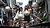 CNN viết về trào lưu chụp ảnh selfie trên 'phố đường tàu' Hà Nội