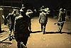 Cảnh sát Kenya phải dùng hơi cay để yêu cầu dân về nhà phòng COVID-19