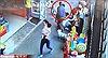 Video kẻ xấu ngang nhiên bắt cóc trẻ con giữa phố đông