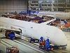 Cận cảnh quá trình lắp ráp, phun sơn máy bay Boeing 787-10 đầu tiên của Vietnam Airlines