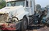 Xe đầu kéo va chạm với xe mô tô, 2 người tử vong