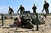Xem lính thủy đánh bộ Nga vượt chướng ngại vật rải trên 10km