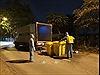 Xử lý rác thải tại thôn Hạ Lôi để phòng, chống dịch COVID-19