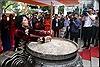 Phó Chủ tịch nước Đặng Thị Ngọc Thịnh đánh trống khai hội đền Hai Bà Trưng