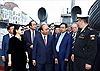 Thủ tướng Nguyễn Xuân Phúc thăm Chiến hạm Rạng Đông và Khu lưu niệm của Lenin tại Điện Smolny
