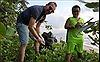 'Thử thách dọn rác'tại bãi biển Quy Nhơn