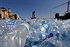 Con người hít phải 121.000 hạt nhựa siêu nhỏ mỗi năm