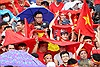 Bất chấp mưa, gió cổ động viên vẫn nhiệt tình cổ vũ cho U23 Việt Nam trên sân Hàng Đẫy