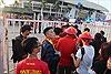 Cổ động viên vào sân Mỹ Đình (Hà Nội) đều được kiểm tra an ninh  nghiêm ngặt
