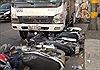 Xe tải đâm hàng loạt xe máy đang băng qua Quốc lộ 1A, nhiều người bị thương