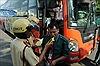 Kiểm tra nồng độ cồn, ma túy các tài xế xe khách tại bến xe Miền Đông