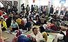 Hàng trăm hành khách vật vạ ở ga Sài Gòn do sự cố tàu trật bánh ở Bình Thuận