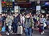 Đề phòng dịch cúm do virus Corona, người dân TP Hồ Chí Minh đeo khẩu trang khi di chuyển nơi đông người
