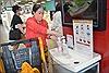 Hầu hết người dân TP Hồ Chí Minh vẫn chủ động phòng dịch COVID-19 ở nơi công cộng