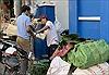 Chợ lá dong Ngã ba Ông Tạ mỗi năm họp một lần ngày cận Tết