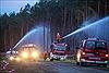 Hàng trăm người phải sơ tán do cháy rừng lan rộng
