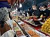 Phiên chợ Giáng sinh độc đáo với hàng trăm món ngon