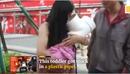 Giải cứu bé gái 1 tuổi kẹt đầu trong cút nhựa
