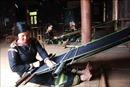 Miệt mài giữ nghề dệt thổ cẩm truyền thống ở lại với buôn làng